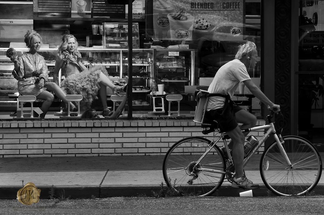 DM11838 Donuts, Divas & a guy on a bike